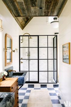 Examine this crucial illustration as well as have a look at the provided strategies and information on Dyi Bathroom Decor Brooklyn Decker, Lofts, Layout Design, Design Design, Design Ideas, Design Inspiration, Casa Rock, Checkered Floors, Modern Bathroom Design