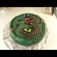 #birthdaycake #sugarpaste #frosting #racingcar#3 #year #beställning