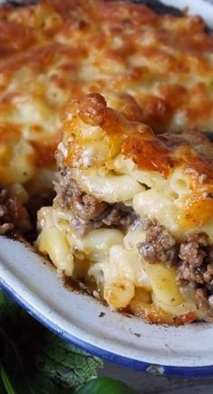 Pastitsio – Greek Macaroni Pie - layers of ooey gooey macaroni cheese sandwiching a toasted cumin spiced lamb mince. You'll want seconds! recipes chicken recipes crockpot recipes easy recipes for dinner recipes healthy food recipes Macaroni Pie, Macaroni Cheese, Macaroni Recipes, Greek Recipes, Meat Recipes, Cooking Recipes, Lamb Mince Recipes, Recipies, Pasta And Mince Recipes