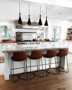 Home Interior Decoration + minimalistic kitchen Home Design, Ideas Baños, Decor Ideas, Sweet Home, Rustic Kitchen Design, Farmhouse Side Table, Modern Farmhouse, Cuisines Design, Cool Rooms