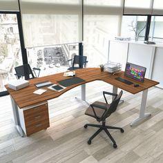 comp. OXI024 - postazione per #ufficio #operativo composto da #scrivania sagomata con raccordo ad angolo e #tavolo dattilo. Completa la composizione la #cassettiera su ruote con tre #cassetti e serratura.