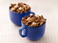 Mexican Hot Chocolate Chex Party Mix ~ Savor the flavors of Mexican Hot Chocolate any time of year in this dynamite party mix. Chocolate Chex Mix, Mexican Hot Chocolate, Chocolate Party, Chocolate Chips, Chocolate Squares, Chocolate Flavors, White Chocolate, Chex Mix Recipes, Snack Recipes