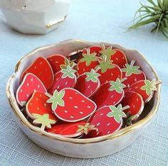 'Strawberry' Pin