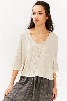 Silence + Noise Easy V-Neck Cropped Top - Urban Outfitters