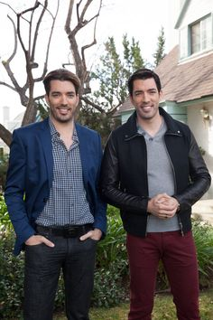 Here's a behind-the-scenes pic with @mrsilverscott on the #BroVsBro set!