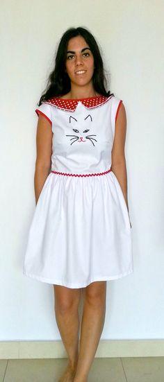 65b4d011184 Artículos similares a Vestido con cara de gato