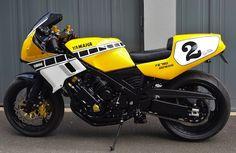 FZ 750 Genesis Restomod - RocketGarage - Cafe Racer Magazine