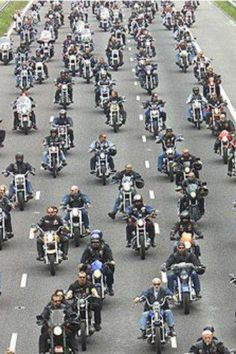 Rolling thunder ~ truly an awesome sight! Memorial Day. Participated in this in 1989. We surrounded DC.