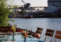Here you can find out where late risers can sample a sumptuous Sunday brunch. Outdoor Furniture Sets, Outdoor Decor, Sunday Brunch, Basel, The Good Place, Restaurant, Good Things, Places, Drinks