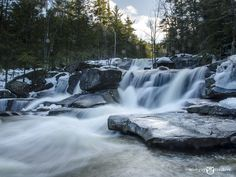 9 Spectacular Easy-To-Find New England Waterfalls.    All these impressive waterfalls are located just off paved roads in the Mt. Washington Valley of New Hampshire and can  be visited in one weekend.  What a great getaway this would make!
