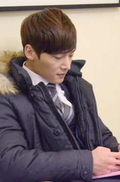 "Choi Jin Hyuk - filming ""The Heirs"""