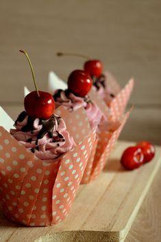 Süße Kirsch-Cupcakes Julias zuckersüße Kuchenwelt