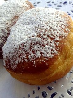 Beignets sound like they would be hard to make, but these are easy and so delicious! A truly heavenly indulgence. Happy Autumn! ~Amy
