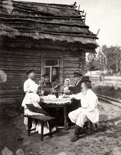 Russian cloths and households in late 19th century