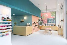 des ailes aux pieds shoe shop inspiring retail design pinterest retail interiors and. Black Bedroom Furniture Sets. Home Design Ideas