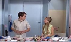 It was considered gauche in the '70s to show a toilet on screen, so the producers skipped it in the Brady kids' iconic Jack-and-Jill bathroom.