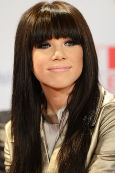 Celeb inspiration - Carly Rae Jepsen - Love her hair color and bangs