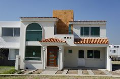Mexican facades, exterior view of how would your home. Modern House Facades, Modern Architecture, Modern Houses, Small Houses, Fachada Colonial, Spanish Style Homes, Luxury House Plans, Luxury Houses, House Front Design