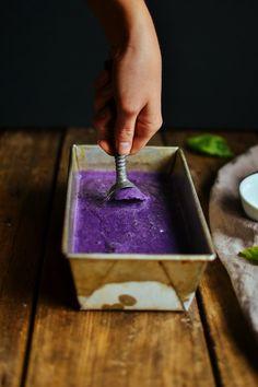 blueberry basil ice cream — the farmer's daughter Basil Ice Cream, Sorbet Ice Cream, Ice Cream Base, Homemade Frozen Yogurt, Homemade Ice Cream, Blueberry Sauce, Farmer's Daughter, Healthy Deserts, Health And Beauty Tips