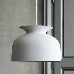 Oliver Schick's Ronde Pendant: Remodelista 530  light goes up and down