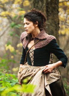 fuckyeahcostumedramas:  Caitriona Balfe in 'Outlander' (2014). x