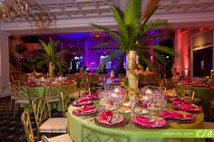 Love The Centerpiece Hawaiian Centerpiecestree Centerpieceswedding Hall Decorationswedding Decortropical