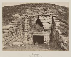 "Entrance of the ""treasury of Atreus"" Mycenaean, Minoan, Heinrich Schliemann, Ancient Troy, Art Asiatique, Paris, Civilization, Mount Rushmore, Images"