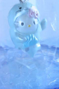 Hello Kitty as  a seal | photo by Naoko Miike