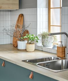 Easy tips on how to start spring early with plants - IKEA Decor, Cool Lighting, Ikea Home, Decorative Pots, Ikea Interior, Mini Garden, Ikea, Green Furniture, Kitchen Design