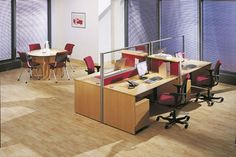 Match up the furniture in your office with desks, chairs and meeting tables from the same furniture range.