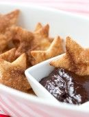Cinnamon Sugar Stars with Chocolate Dipping Sauce, perfect for the Oscars + Award Season! Pizzazzerie.com