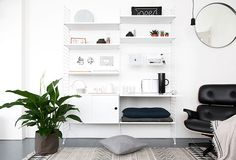 Green Living - beeldsteil.com #mooiwatplantendoen Interior Styling, Interior Decorating, Interior Design, Living Spaces, Living Room, Selling Furniture, House Doctor, Scandinavian Home, Minimalist Interior