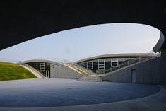 Gallery of Science Hills Komatsu / Mari Ito + UAO - 13