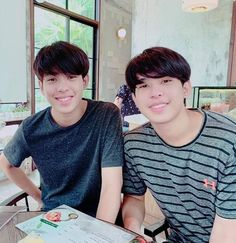 Identical Twins, Twin Brothers, Actors, Tv, Boys, People, Actor, Tvs, Senior Boys