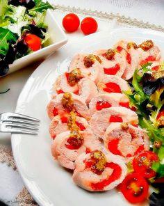 Rollitos de pavo rellenos de queso y pimientos - 13 increíbles recetas de pavo para Nochebuena | Cocina Muy Fácil | http://cocinamuyfacil.com