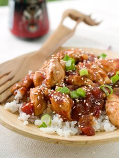 Read our delicious recipe for Honey Sesame Chicken, a recipe from Lose Baby Weight which is a safe and healthy way to lose weight after having a baby Healthy Sesame Chicken, Honey Sesame Chicken, Asian Chicken, Healthy Mummy Recipes, Asian Recipes, Low Fat Chicken Recipes, Chicken Meals, Boneless Chicken, Cooking Recipes