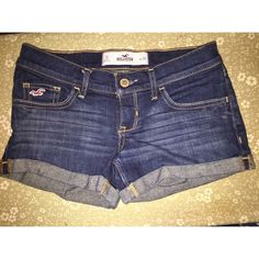 Hollister shorts☀️ These shorts are cute to dress down. I excellent condition from hollister.  leave a reasonable offer if interested. Hollister Shorts Jean Shorts
