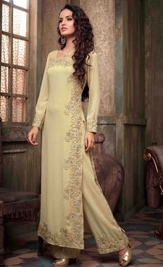 Looking to buy Anarkali online? ✓ Buy the latest designer Anarkali suits at Lashkaraa, with a variety of long Anarkali suits, party wear & Anarkali dresses! Long Anarkali Gown, Floor Length Anarkali, Anarkali Suits, Anarkali Lehenga, Lehenga Suit, Pakistani Dresses, Indian Dresses, Indian Outfits, Eid Dresses