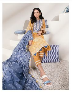 Stylish Dresses For Girls, Girls Dress Up, Stylish Dress Designs, Trendy Clothes For Women, Unique Dresses, Baby Girl Dresses, Simple Dresses, Pakistani Fashion Casual, Pakistani Dresses Casual