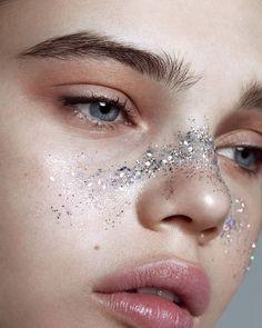 Lidia Estepa Glamor Iceland Lidia Estepa Glam… – About Eye Makeup Makeup Trends, Makeup Inspo, Makeup Art, Makeup Inspiration, Eye Makeup, Hair Makeup, Body Makeup, Makeup Ideas, Fashion Inspiration