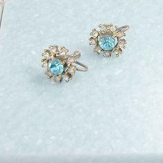 Earrings-screw-back-vintage-large-aqua-stone-rhinestone-surround
