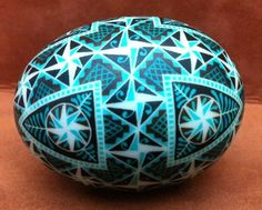 Theresa Somerset‎ shows off Colorama Dye's blues and browns in this lovely pysanka.