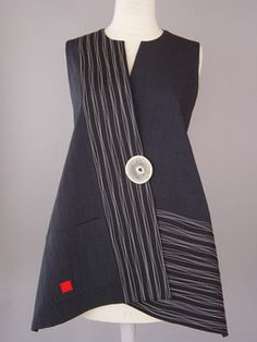 Long Round Neck Vest in Black with Wavy Lines
