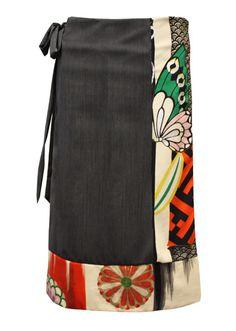kimono fabric used in a wrap skirt Kimono Fabric, Kimono Dress, Sewing Clothes, Diy Clothes, Clothes For Women, Kimono Fashion, Steampunk Fashion, Gothic Fashion, Japanese Fabric