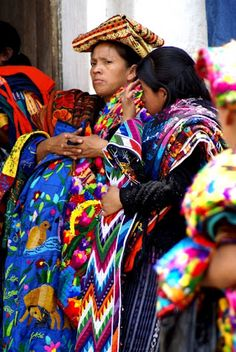 Chichicastenango, also known as Santo Tomás Chichicastenango, is a town in the El Quiché department of Guatemala, known for its traditional K'iche' Maya culture,  is well known for its famous market days on Thursdays and Sundays where vendors sell handicrafts, food, flowers, pottery, wooden boxes, condiments, medicinal plants, candles, pom and copal (incense), cal (lime stones), grindstones, pigs and chickens, machetes, and other tools.