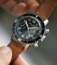 The breitling 817 was introduced in Each piece was designed to meet the Italian militarys cronometro da polso. Luxury Watches, Rolex Watches, Cool Watches, Watches For Men, Watches Photography, Running Belt, Fitness Gifts, Vintage Watches, Vintage Men