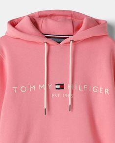 12 Ideas De Tommy Hilfiger En 2021 Tommy Hilfiger Sudaderas Hombre Uñas Azules