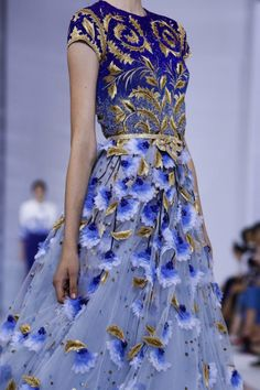 ieatfashionnotfood:  vogue-is-viral:  Georges Hobeika Couture...