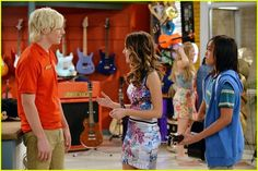 Ally Dawson (Laura Marano) just can't keep to shake this one little girl in these new stills from Austin & Ally.