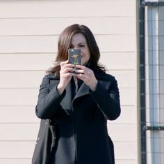 Awesome Lana (Regina) #Once #BTS taking an awesome selfie Once S5B E23  #AnUnToldStory Once S5 Spring finale #StevestonVillage #RichmondBC #Canada Wednesday 3-30-16